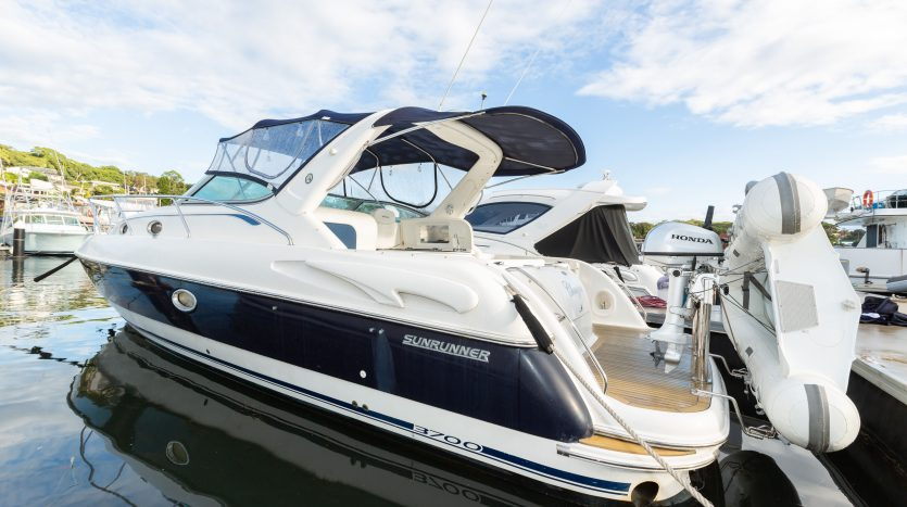 Sunrunner 3700 Sports Cruiser Boat